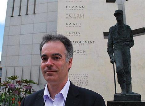 Son combat pour faire vivre les commémorations. dans 2012 Bayard-monument-Leclerc